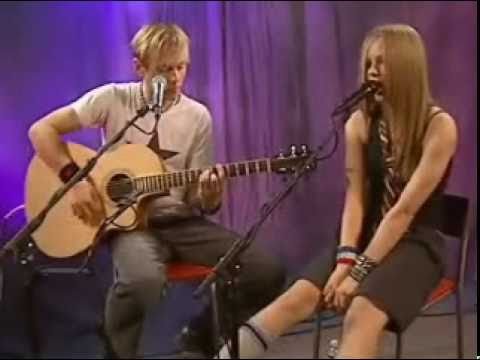 Avril Lavigne and Evan Taubenfeld - Mobile [acoustic live] - funny -