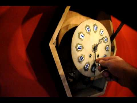 Antique oeil de boeuf clock youtube - Oeil de boeuf ...