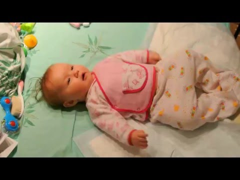 Как развеселить младенца