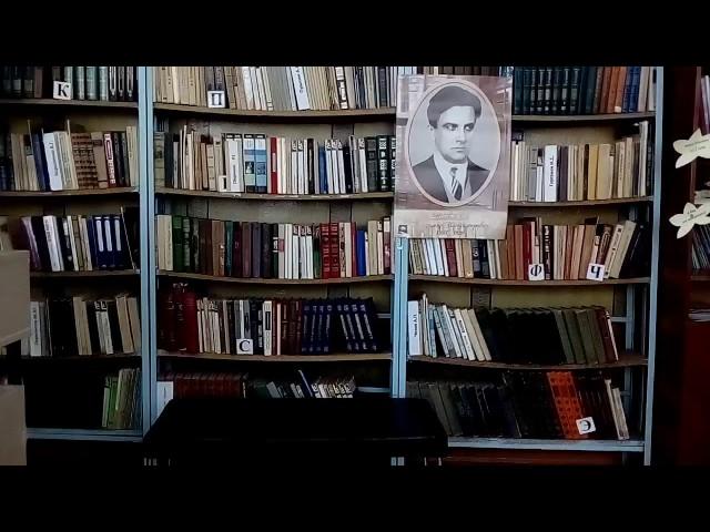Изображение предпросмотра прочтения – АннаЩербакова читает отрывок изпроизведения «Послушайте! (Послушайте! Ведь, если звезды зажигают…)» В.В.Маяковского