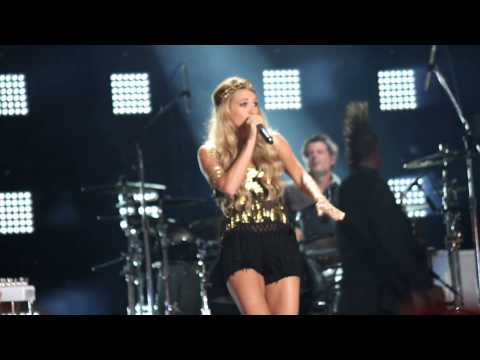 Miranda Lambert & Carrie Underwood  Somethin Bad 2014 CMA Music Fest