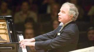 Schumann  Novelletten Op 21 No 1 in F   Schiff .wmv