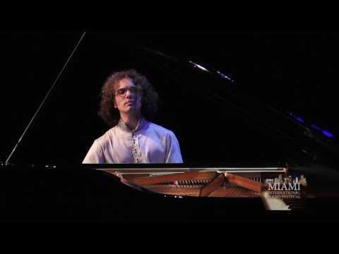 JULIEN LIBEER PLAYS F  SCHUBERT PIANO SONATA IN G D 894