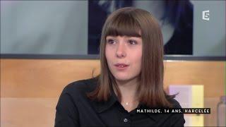 Mathilde, 14 ans, harcelée - C à vous - 28/10/2016