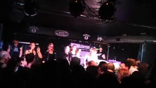 The Toten Crackhuren im Kofferraum - Wir hassen Sport (Live im MTC, Köln 28.04.2012)