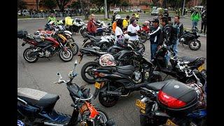 Pick Up Girls with Moto Kawasaki Z1000