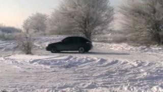 Gonki.org - Любительский слалом в Запорожье(Зимние покатушки - 3 января 2009 года. Больше видео смотрите на сайте http://gonki.org., 2009-01-08T17:02:48.000Z)