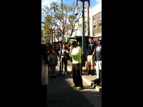 Mr. Animation street performance - Santa Monica