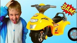 Tawaki Kids pretend play with  Broken toys car/Funny video for kids