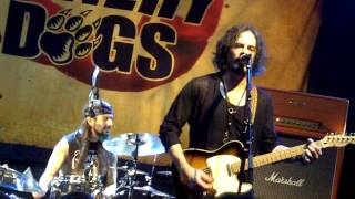 The Winery Dogs: Not Hopeless