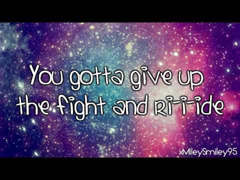 Glee Cast - Light Up The World (with lyrics)