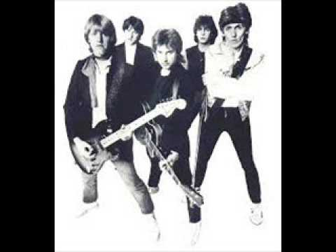 The Records -  Hearts Will Be Broken