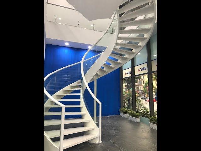 Thi công cầu thang xương cá tại Mỹ Đình - Hà Nội