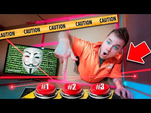 GAME MASTER Challenge: Don't Push THE WRONG BUTTON! Box Fort Maze ESCAPE (Project Zorgo Hacker)