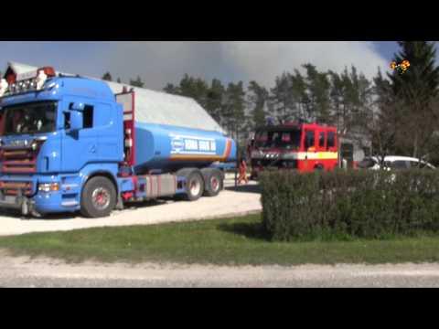 Kraftig skogsbrand rasar på Gotland