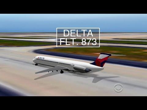 Airplanes narrowly avoid crash at Atlanta airport