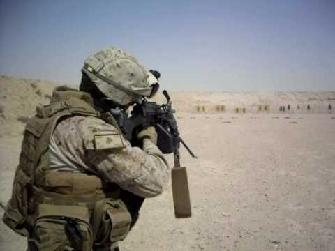 M249 SAW machinegun USMC Iraq - YouTube