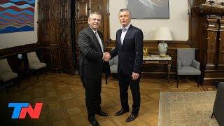 Transición: día 1, hora cero: Macri y Alberto Fernández, ...
