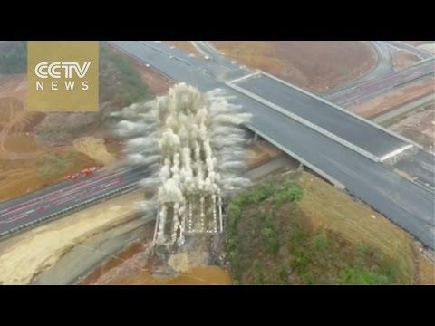 Footage: 240 kilograms of explosives demolish bridge