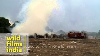 NMDC firefighters control fire at a landfill - Delhi