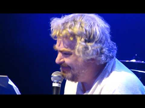 Daniel Johnston - Don't Let the Sun Go Down on Your Grievances (live in Los Angeles)