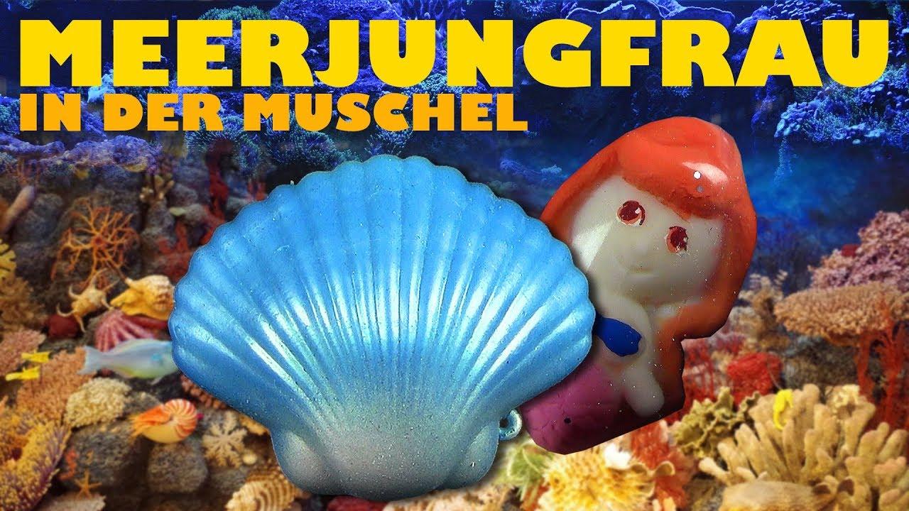Growing Mermaid clam shell wachsende Nixe in der Muschel