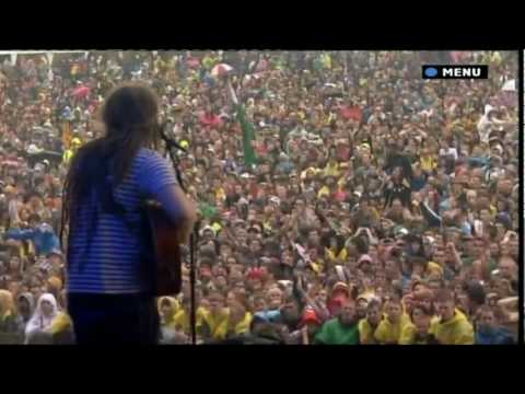Newton Faulkner - Bohemian Rhapsody - T in the Park 2010 (HQ)