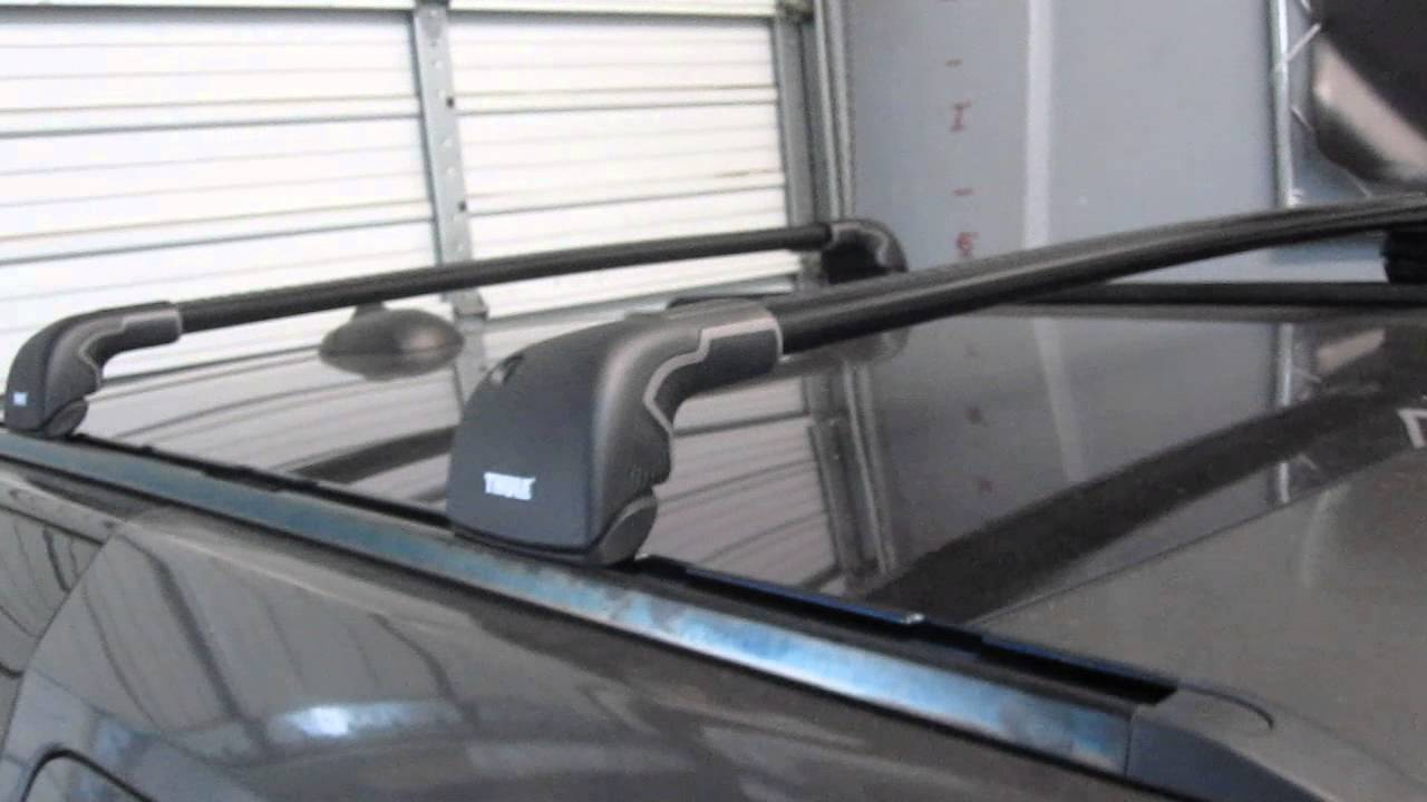 2010 To 2013 Land Rover Lr4 With Thule Black Aeroblade