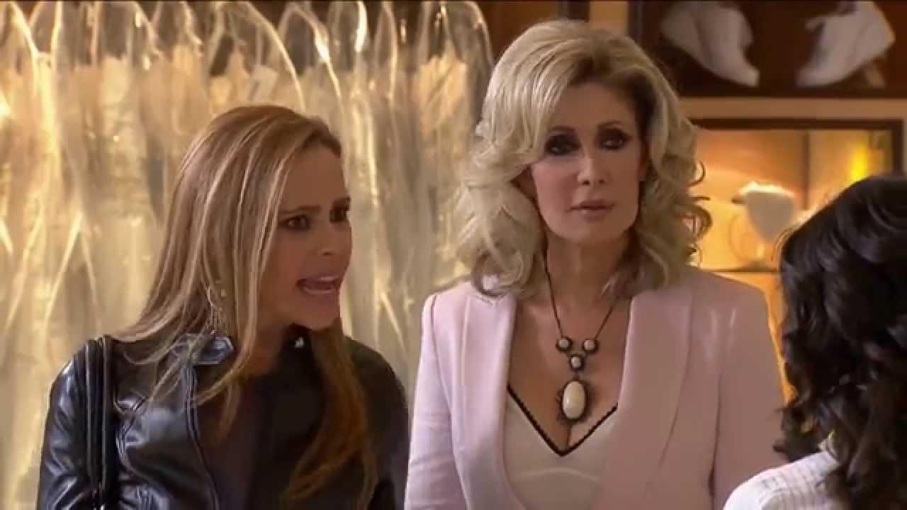 Teresa y aida vestido de novia