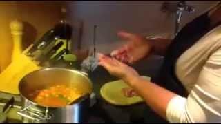 Twee soepballetjes in één keer draaien