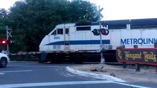 Metrolink F59PHI 884 leading SCAX Train 285 with a K5LA