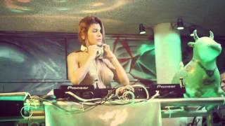 DJ NANY SHOW EN KIWY LOUNGE BAR