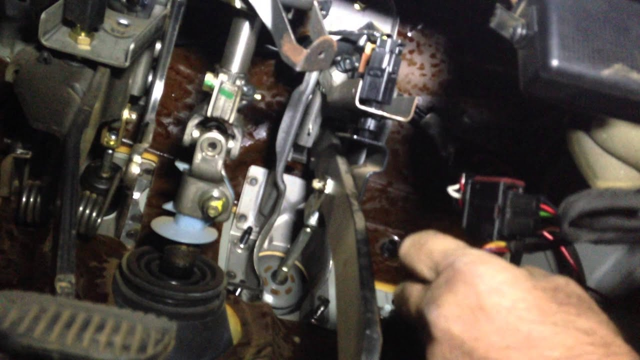 Fitting A Steinbauer Power Pedal To A Nissan Navara D40