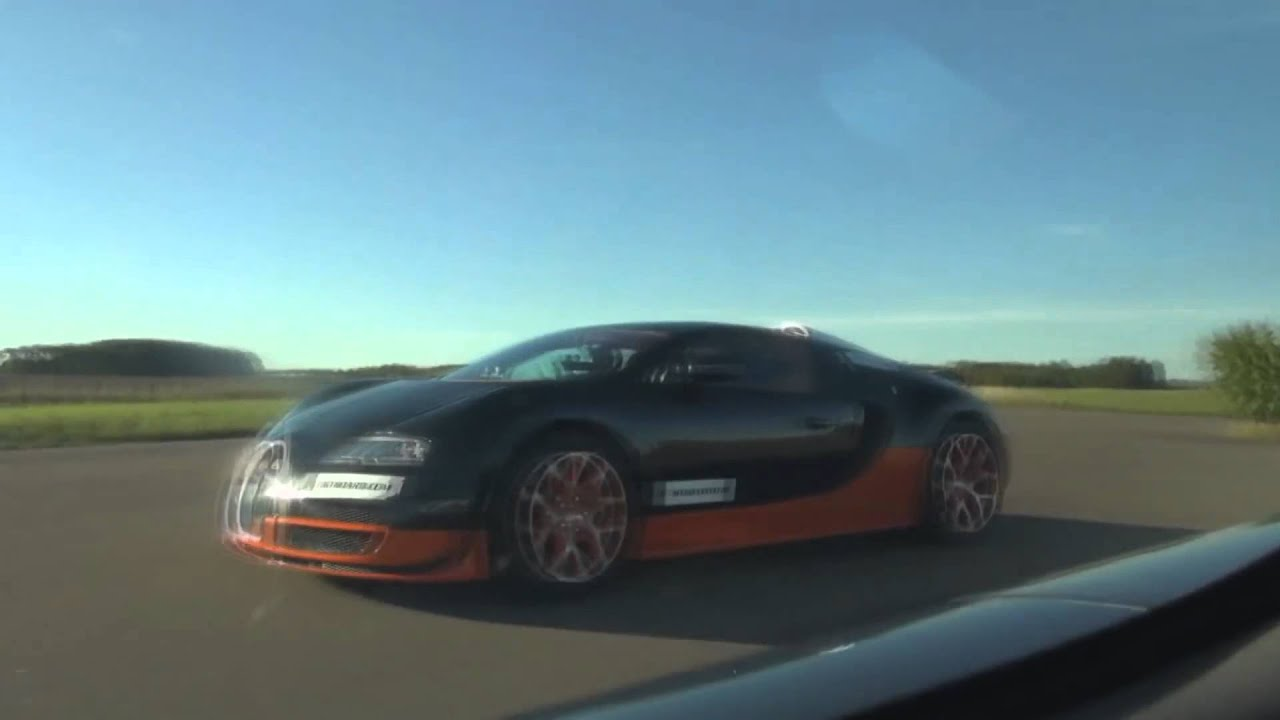 bugatti veyron grand sport vitesse vs koenigsegg agera r from gustav 39 s super races youtube. Black Bedroom Furniture Sets. Home Design Ideas