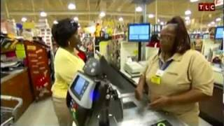 Lady Saves Over $220 at Grocery Store Using Coupons, Pays Only $7!
