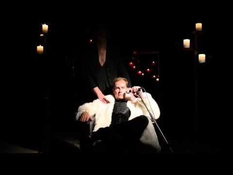 Hamletinkone KOM-teatterissa
