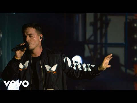 J Balvin - Ay Vamos (Live at The Year In Vevo)