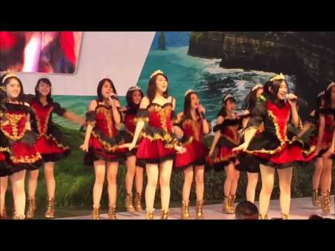 JKT48 - Manatsu no Sounds Good! (Musim Panas Sounds Good!) GIIAS Surabaya (Grand City) [HD Fancam]
