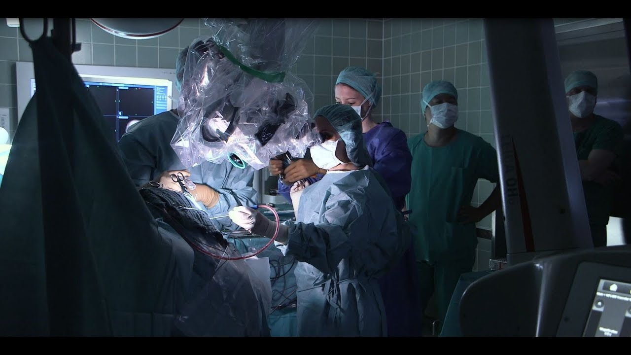 Leica Microsystems' innovations in surgical microscopy featured on renowned  television series