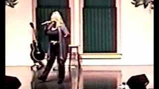 """Lorie Streeter Sings """"dolly"""" At The Arts And Heritage Show"""