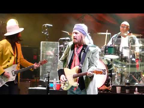 Tom Petty & The Heartbreakers ~ Willin' ~ Red Rocks CO 10/3/14