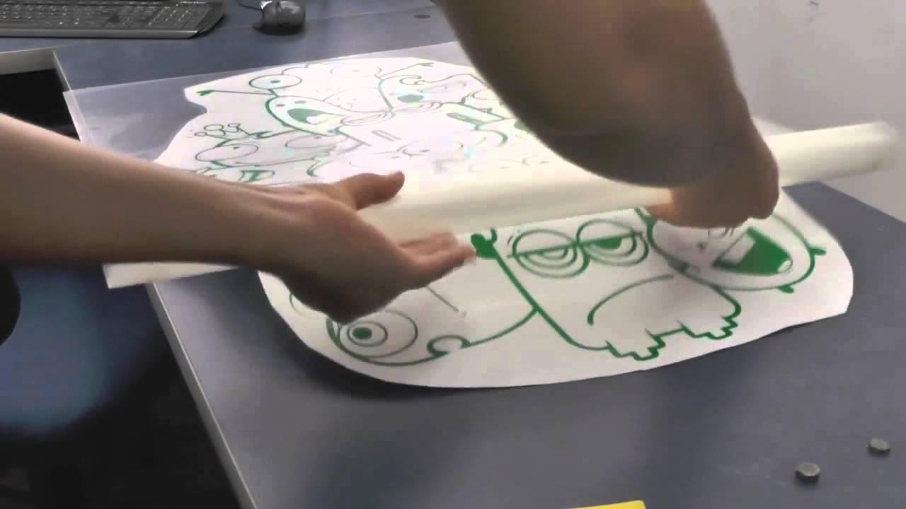 como decorar hacer un mural con calcomanias en vinilo how to decorate a mural with vinyl decals youtube
