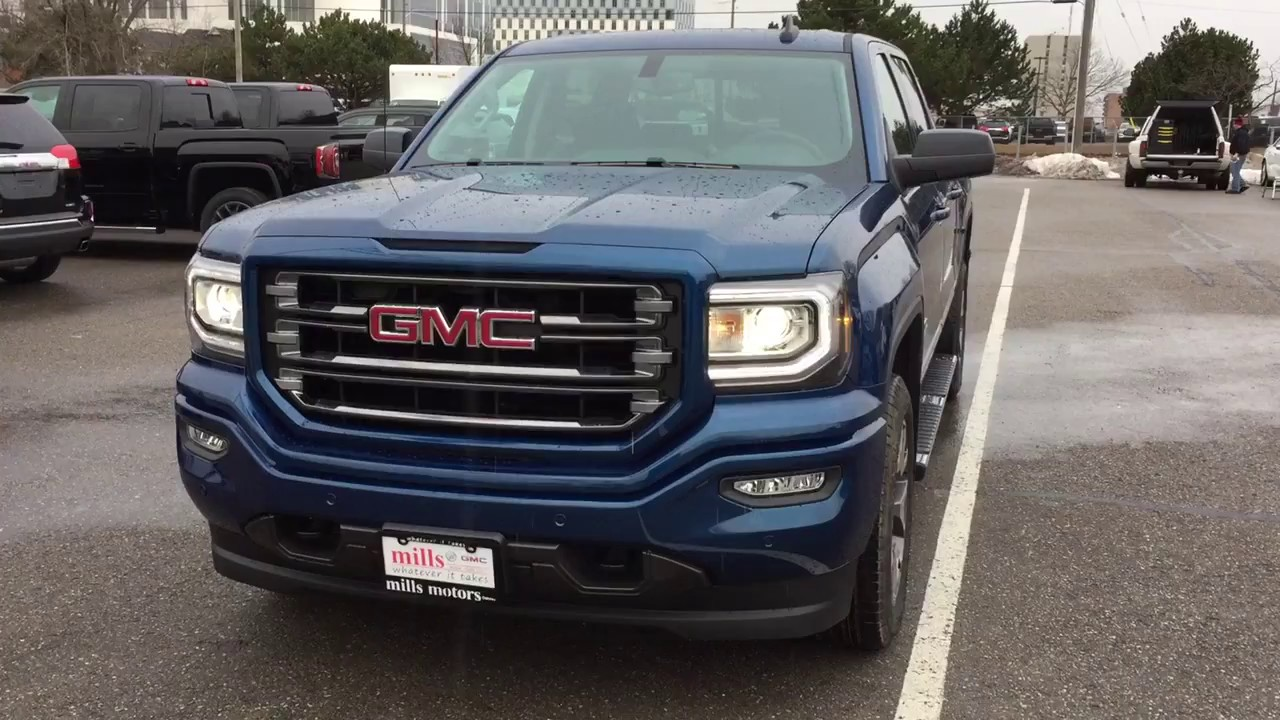 2017 gmc sierra 1500 4wd slt crew cab all terrain edition 20 inch wheels blue stock 170662. Black Bedroom Furniture Sets. Home Design Ideas