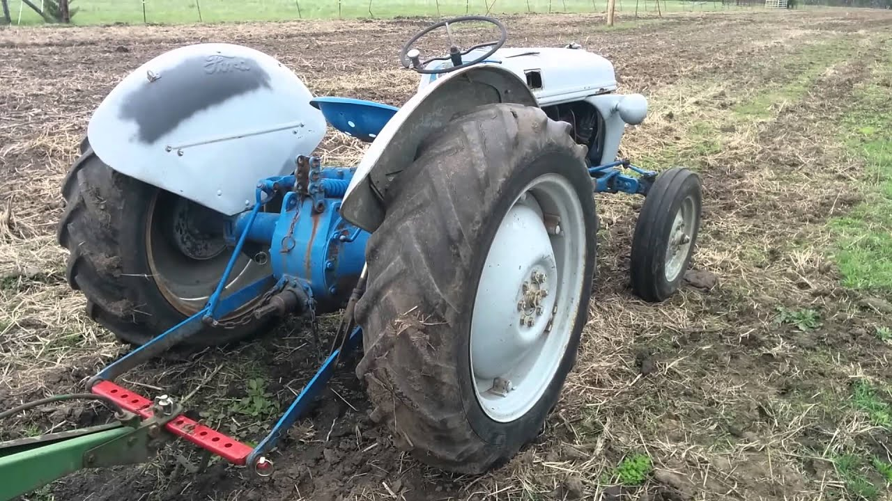 What is wrong with my ford 8n tractor?