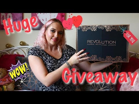 HUGE GIVEAWAY MAKEUP REVOLUTION BEAUTY STORAGE CHEST | IdleG