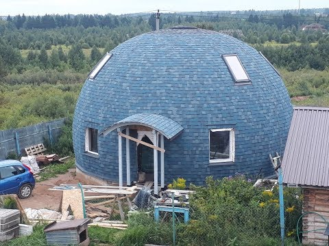 Соседи Смеялись над мужчиной строившим Круглый Купольный Дом! Но когда увидели Итог, Обзавидовались!
