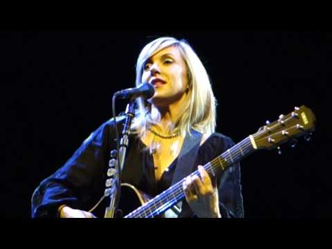 Liz Phair - Polyester Bride (Acoustic) – Live in San Francisco