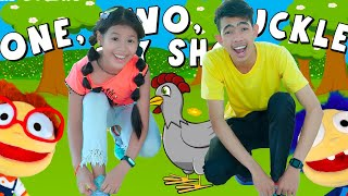 One Two Buckle My Shoe Song with Lyrics | Nora Family Show
