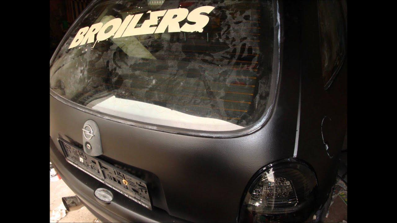 broilers-singe-seufze-saufe-mrroiba