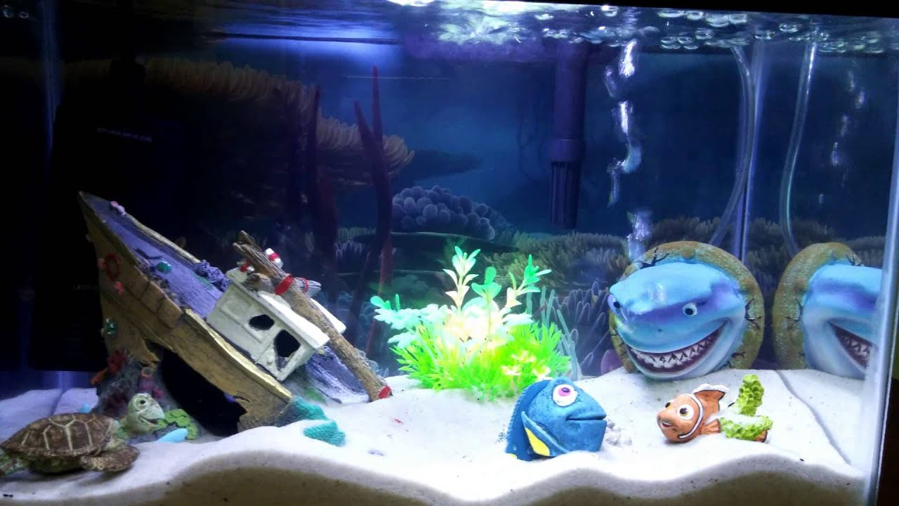 Finding nemo themed aquarium fish tank youtube for How to make ice in a fish tank